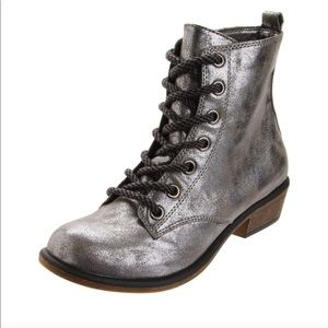 DIRTY LAUNDRY Silver metallic ankle booties boots